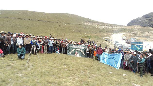 Los pobladores también se dirigen a tomar vía Trujillo-Huamachuco. (USI)