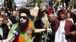 Cannes empezó con humor y un camello - Noticias de sacha baron cohen