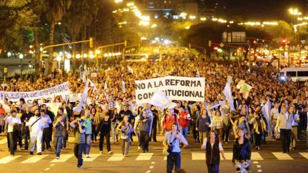 Cacerolazo contra la Presidente Cristina Fernández Wilhelm